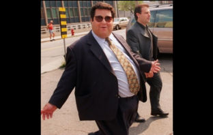 Pat Musitano leaving a Hamilton court in 1996